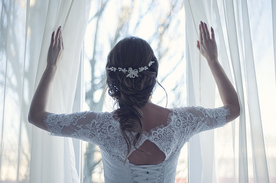 5 Bridal Hair Accessories that Every Bride Would Love